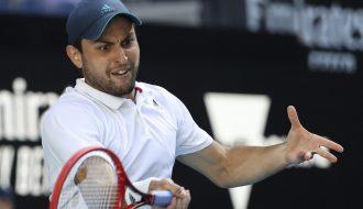 Aslan Karatsev: Con đường từ tay vợt vô danh đến đối thủ của Djokovic