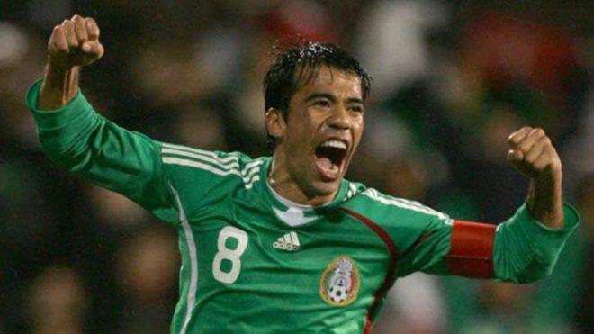 Tiền vệ: Pavel Pardo