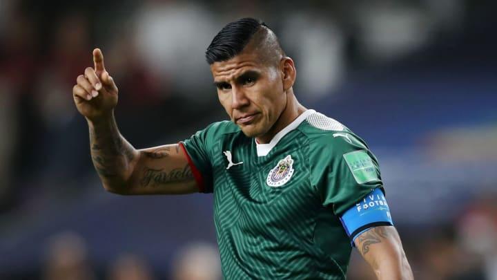 Hậu vệ: Carlos Salcido
