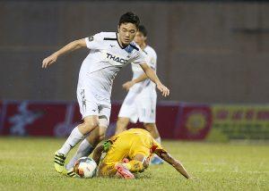 Người hâm mộ Việt có biết thứ vũ khí lợi hại nhất của các CLB V.League?