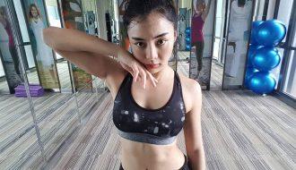Nữ võ sĩ 20 tuổi dùng tuyệt chiêu muay Thái khiến đối thủ xiểng niểng